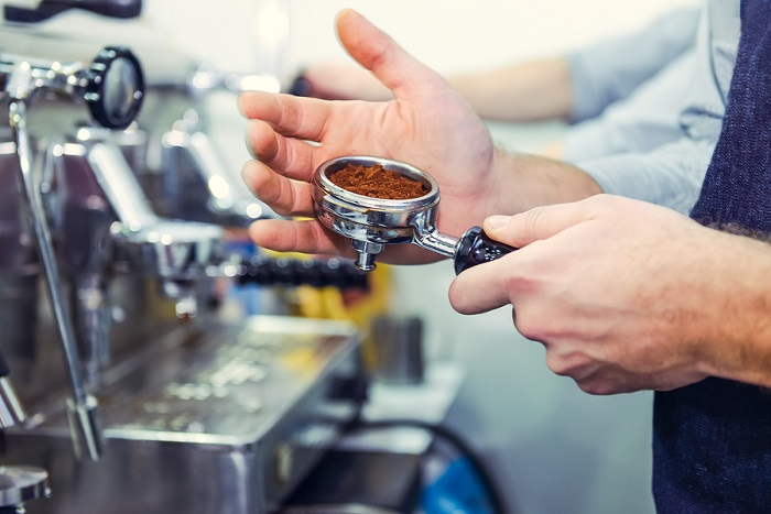 Barista-making-a-espresso-coffee